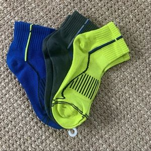 New pair of three youth winter socks size M to L